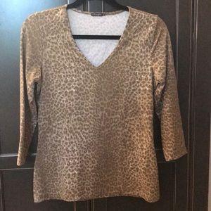 J. McLaughlin brown and tan leopard print v-neck